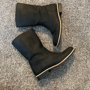 Roots Leather Pull On Boots